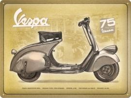 Vespa  75th Anniversary SE Metalen wandbord in reliëf 30 x 40 cm .