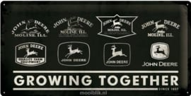 John Deere Growing Together Metalen wandbord in reliëf 25x50 cm