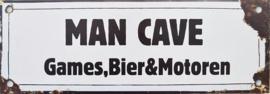 Man Cave Games Bier & Motoren.