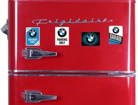 4 BMW Koelkastmagneten 6 x 8 cm.