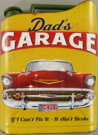 Dad's Garage.  Metalen wandbord 33 x 45 x 5,5 cm.