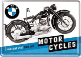 BMW Timeline.    Metalen Postcard 10  x 14 cm.