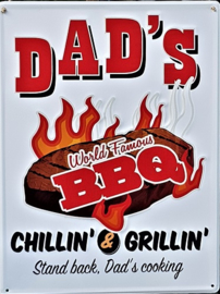 Dad's Word Famous BBQ. Metalen wandbord   30 x 40 cm.