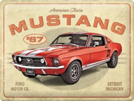 Mustang '67 American Classic.  Metalen wandbord in reliëf 30 x 40 cm.