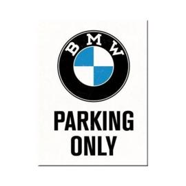 BMW Parking Only. Koelkastmagneet 8 cm x 6 cm.