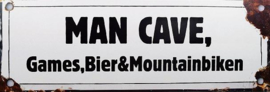 Man Cave Games Bier & Mountainbiken.