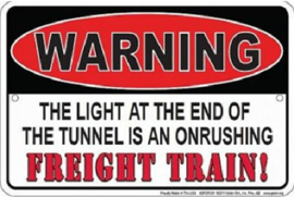 Warning Freight Train.   Metalen  wandbord 20 x 30 cm.