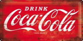 Drink Coca Cola  Metalen wandbord in reliëf 25 x 50 cm.