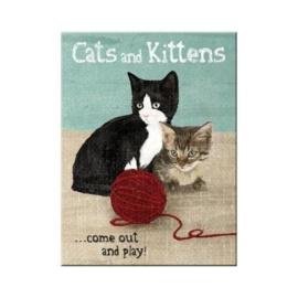 Cats and Kittens. Koelkastmagneet 8 cm x 6 cm.