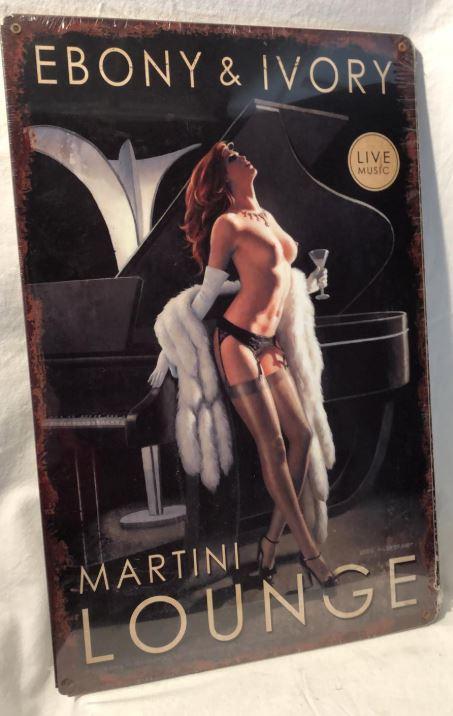 Martini Lounge - Ebony and Ivory. Metalen wandbord 44,5 x 29,5 cm.