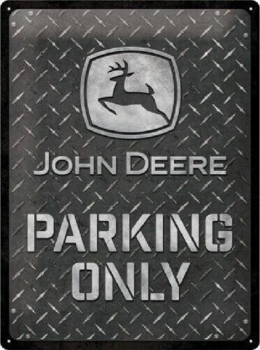 John Deere Parking Only.  Metalen wandbord in reliëf 30 x 40 cm.