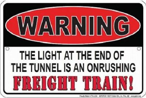 Warning Freight Train.   Metalen  wandbord 20 x 30 cm.