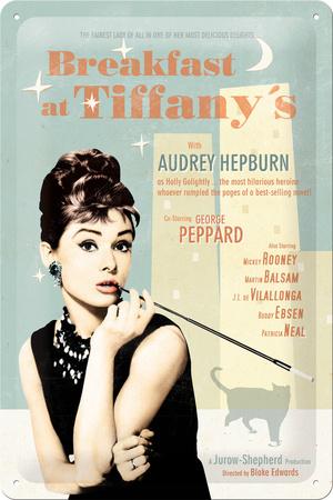 Audrey Hepburn - Breakfast at Tiffany'sMetalen wandbord in reliëf 20 x 30 cm