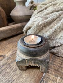 Lief houten kandelaartje