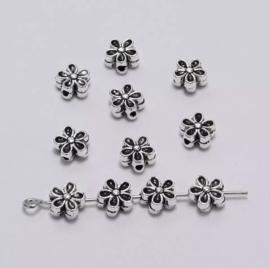 #11Tibetan Beads Flower Silver /set 50 stuks
