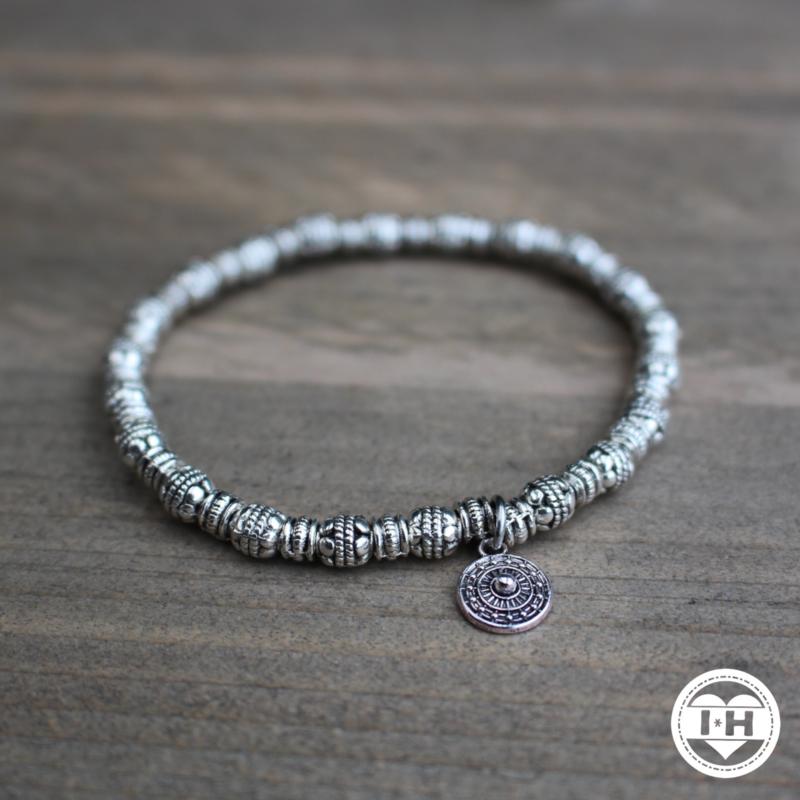 'Mandala Silver'