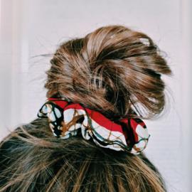 Bruin/Rode scrunchie van Afrikaanse stof