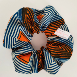 Oranje en blauwgestreepte scrunchie van Afrikaanse stof