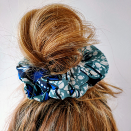 Blauwe scrunchie van Afrikaanse stof