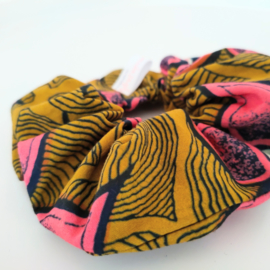 Roze bloem scrunchie van Afrikaanse stof