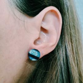 Blauw met rood Afrikaanse oorbellen knopjes