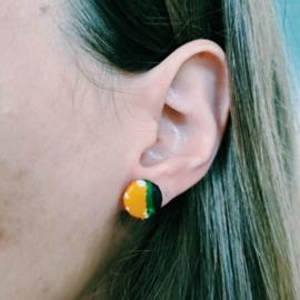 Gele met blauw Afrikaanse oorbellen knopjes