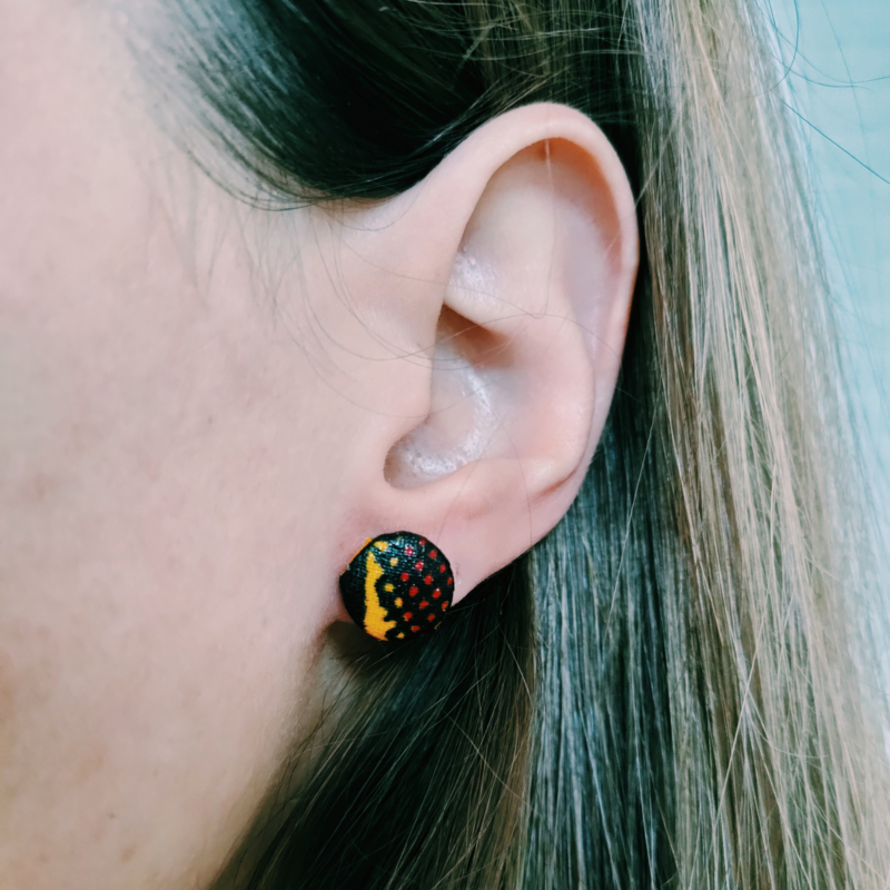 Rood/geel/zwarte Afrikaanse oorbellen knopjes
