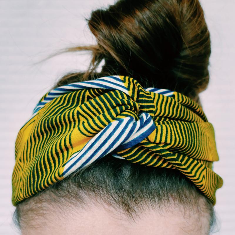 Blauwgestreepte haarband van Afrikaanse stof