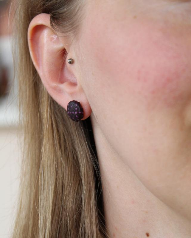 Grote paarse Afrikaanse oorbellen knopjes
