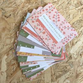 Memoriseerkaarten met houten standaard