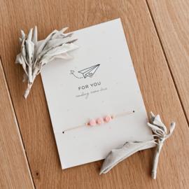 Gift Set - juf armband op kaart paper plane