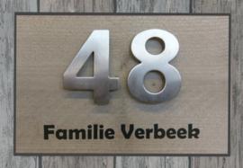 Naambordje steigerhout antraciet omrand met echte RVS cijfers