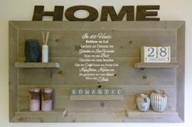 Wandborden van steigerhout met tekst met kader