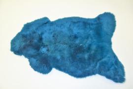 Gekleurde schapenvacht blauw.