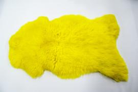 Gekleurde schapenvacht geel.