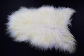 Ijslands schapenvacht wit/licht gelig.
