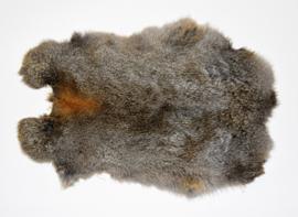 Konijnenvachten of konijnenhuiden naturel midden kleur.