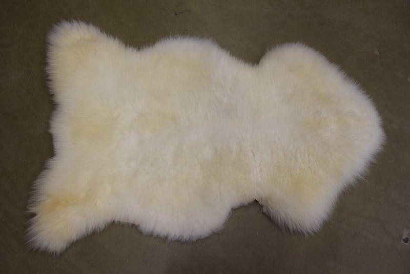 Actie  op onze witte xl schapenvachten van 69 euro naar 59 euro