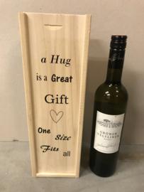 Wijn-Bierkistje A hug is a great gift...
