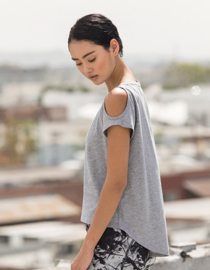 OPEN SHOULDER T-SHIRT GREY