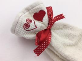 Wit met rode hartjes