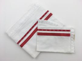 Lakentje en sloopje in rood wit