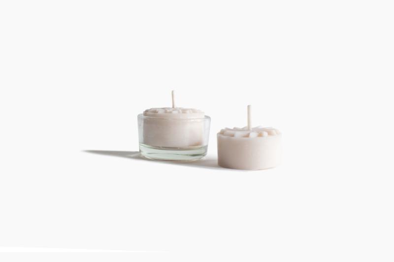 (extra) theeglaasje voor onze handgemaakte theelichtjes van koolzaadwas