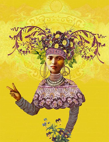 PAPAYA ART CANVAS   Lady of Peace