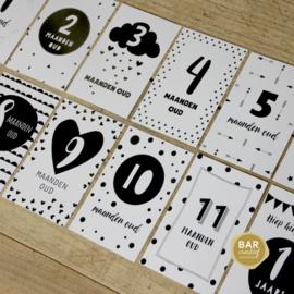 Gepersonaliseerde maandkaarten baby's eerste jaar