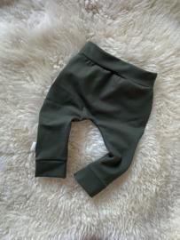 Broekje khaki groen