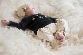Newborn giraf