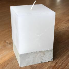 Kaars met betonnen houder klein