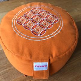 Flowee Meditatiekussen rond klein oranje
