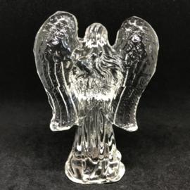 Kristallen beeld engel biddend